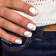 Son el último grito en 'nail art', diseños hechos con hilos de colores y pequeños adornos. #unaselegantes