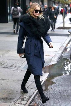 Gigi Hadid Photos - Model Gigi Hadid is seen catching a ride in New York City, New York on November Gigi recently called it quite with longtome boyfriend, Joe Jonas. - Gigi Hadid Steps Out in NYC Gigi Hadid Looks, Gigi Hadid Style, Kendall Jenner, Kylie, Alexa Chung, Winter Wear, Autumn Winter Fashion, Models Off Duty, Chic Outfits