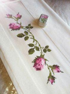 Etamin havlu örnekleri Etamin havlu örnekleri kanaviçe yapmayı seviyorsanız... - #etamın #havlu #kanavi #Kanaviçe #ornekleri #seviyorsanız #yapmayı