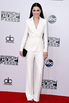 Omg Jessie J, this suit is on point. #AMAs