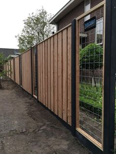 Supplied fencing in French white Douglas wood with mesh inserts - Innen Garten - Eng Privacy Fence Landscaping, Home Landscaping, Backyard Fences, Garden Fencing, Fence Gate Design, Modern Fence Design, Landscape Design, Garden Design, Backyard Creations