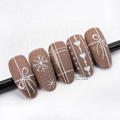 Latest christmas nail art ideas for 2019 – page 11 of 12 – vida joven # Almond nails. Informations About Newest Christmas Nail Art Ideas For 2019 … Xmas Nails, Get Nails, Holiday Nails, Matte Nails, Christmas Nails, Acrylic Nails, Valentine Nails, Diy Valentine, Christmas Ideas