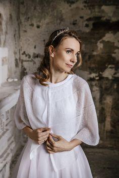 Wedding Cape, Bridal Cape, Wedding Shawl, Star Wedding, Wedding Sweater, Bridal Cover Up, Bridal Bolero, Boho Bride, Knitted Shawls