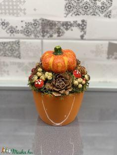 Őszi Mini tökös csoda - asztaldísz, dekoráció (AKezmuvescsodak) - Meska.hu Fall Decor, Diy And Crafts, Planter Pots, Autumn, Souvenir, Autumn Decorations, Fall Season, Fall