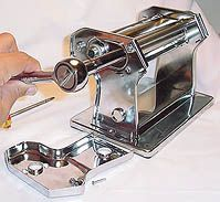 """Pasta Machine - Basic Care: Finally! I know what I must do..I have 3 pasta machines, two are for parts use and now I can make my """"spare PM"""""""