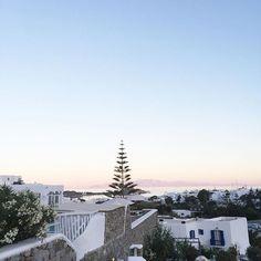 Goodnight Mykonos🌅 More on my Snapchat 👻 {MARGOTTPP} #greece #mykonos #pinksky  #holidays #summer #girlfriends #trip #beautiful #architecture #pastelsky