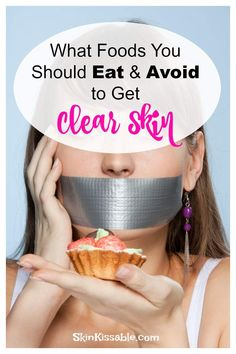 is the best food to clear acne? Clear the skin by incorporating into your diet these top foods and avoiding others.What is the best food to clear acne? Clear the skin by incorporating into your diet these top foods and avoiding others. Foods To Clear Acne, How To Clear Pimples, How To Reduce Pimples, Food For Acne, Clear Skin Detox, Oily Skin Care, Foods To Avoid, Skin Food, Acne Skin