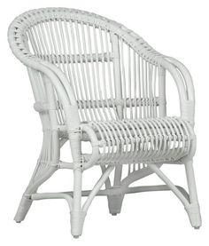"""""""Stohovatelné zahradní křeslo bílé barvy z masivního pravého dřeva a ratanu. Nábytek k dostání v různých barvách."""""""