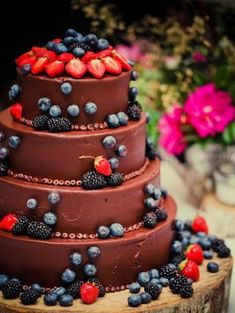 Chocolate wedding cake...this is my style!
