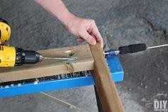 How to Build a Outdoor Bar Table – Do it YourSelf Interior Design Bar Table Diy, Outdoor Bar Table, Outdoor Coffee Tables, Outdoor Dining, Diy Outdoor Furniture, Garden Furniture, Furniture Ideas, Ana White, Bars En Plein Air