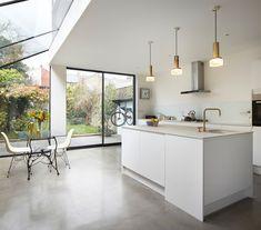 La cubierta vidriada de Burrows Road es una restauración e intervención en una típica casa inglesa. Ubicada en Kensai Rise,…
