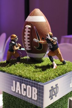 National Rugby League centerpiece Football Banquet, Football Themes, Football Centerpieces, National Rugby League, Football Baby Shower, Football Birthday, Graduation Party Decor, Work Party, Party Themes