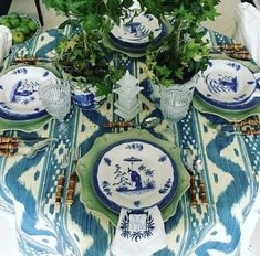I could not resist, I knew this would make an amazing tablecloth and it did not disappoint! The gorgeous Bali Hai by sure makes a beautiful table… My own blue and white dishes, the gorgeous bamboo flatware from White Table Settings, Beautiful Table Settings, Place Settings, Dresser La Table, Table Setting Inspiration, Table Top Design, Enchanted Home, Elegant Table, Decoration Table
