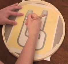 who loves threadbanger?  Well everyone!  DiY screen printing with an embroidery hoop and pantyhose