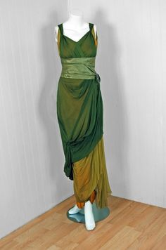 I feel like a frolicking wood nymph just looking at this.  Dress  1910s  Timeless Vixen Vintage