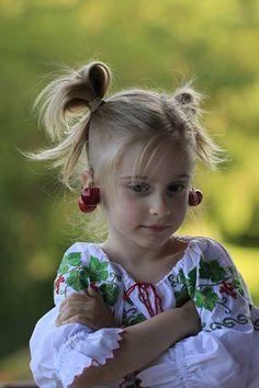 Child Smile, European Girls, Moldova, Beauty Women, Women's Beauty, Tree Branches, Children Photography, Romania, Summer Time