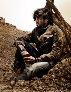 Most everything looks bleak and drab when I envision Post-Apocalyptic scenery. Story Inspiration, Writing Inspiration, Character Inspiration, Apocalypse World, Post Apocalypse, Dystopia Rising, Character Bank, Pose, Story Characters