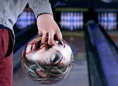 vou ter que fazer isso com a minha bola.  cool and gross at the same time.