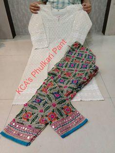 Pakistani Fancy Dresses, Pakistani Fashion Party Wear, Pakistani Dress Design, Pakistani Outfits, Kurta Designs Women, Blouse Designs, Bodycon Outfits, Stylish Dresses For Girls, Stylish Blouse Design