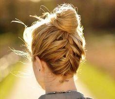 Recogido casual, encuentra más peinados recogidos con trenzas aquí...http://www.1001consejos.com/peinados-recogidos-con-trenzas/
