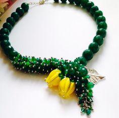 Diy Jewelry Necklace, Ruby Jewelry, Bead Jewellery, Beaded Necklace Patterns, Beaded Bracelets, Handmade Jewelry Designs, Embroidery Jewelry, Crystal Beads, Girly