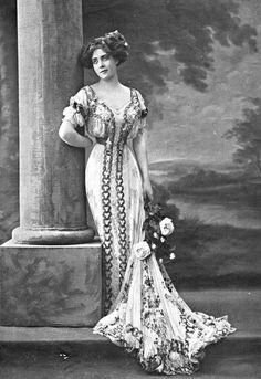 Robe du soir Doeuillet, 1907.