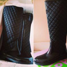 @cristinalomas89 ya tiene sus botas de agua acolchadas para disfrutar de los charcos y los días de lluvia ;)