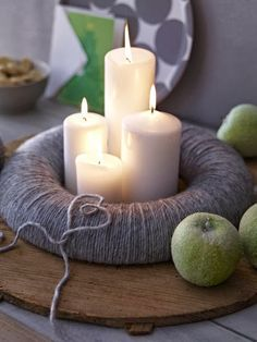 Surprise your friends and family this year and create a stylish Christmas decoration with the traditional warmth by making a craft of an advent wreath with candles. Advent Wreath Candles, Christmas Advent Wreath, Christmas Candles, Christmas Time, Advent Wreaths, Christmas Crafts, Candle Centerpieces, Simple Centerpieces, Wedding Centerpieces