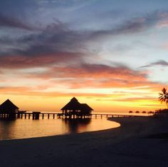 It's easy to see where Conrad Maldives Sunset Grill gets its name.