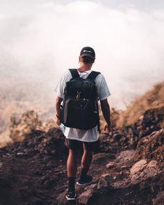 The best travel inspiration in Passporter Cheap Travel, Bradley Mountain, Travel Style, Sling Backpack, Travel Inspiration, Travel Tips, Backpacks, Travel Advice, Backpack