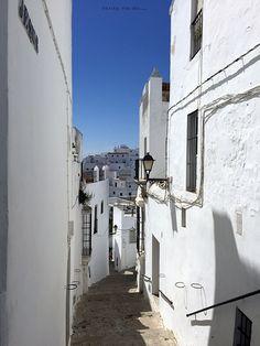 Después de cómo me había gustado la ciudad de Cádiz, pensé que ya poco habría de sorprenderme, pero me equivoqué #Molyvade #viaje #Cadiz #Vejer ¡Nuevo post! http://molyvade.blogspot.com/2016/06/cadiz-ii.html