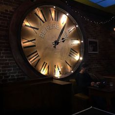 355/366 - Good shout, @jaynaa_r! #london #clock #pub #christmas #TeamPEP #mobilephotography #project365