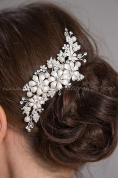 Hey, I found this really awesome Etsy listing at https://www.etsy.com/listing/208472688/pearl-and-rhinestone-bridal-hair-comb