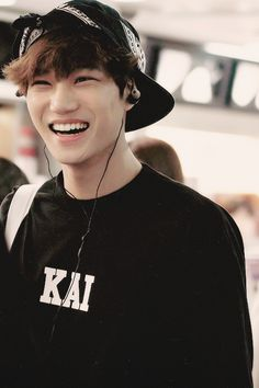 Oh my Kim Jongin .. i love that smile <3 KAI EXO-K <3