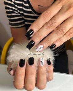 "Marília Costa 💅🏻💕 on Instagram: ""Black tie* @dailus 💅🏻🖤 . . . . . . . #unhas #unha #unhasdecoradas #unhasdasemana #unhasdehj #nails #nail #nailsart #unhasfeminina #unhastop…"""