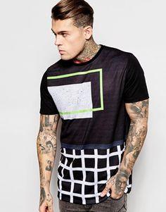 Camiseta con estampado de cuadrícula lineal y corte skater holgado de ASOS
