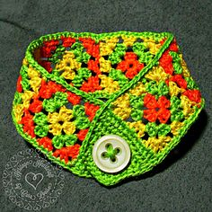 Mini Granny Square Bracelet Pattern from Heritage Heartcraft by Cara Louise. Also available as a finished item in your choice of colors!