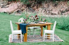photography: Kimie James of IYQ Photography // planning + design: Brittany Pritchard of Events 306 // venue: Lyons Farmette Lyons, Colorado // florals: Flora by Nora // rentals: The Harvest Table Company, Chairshed Vintage Rental //