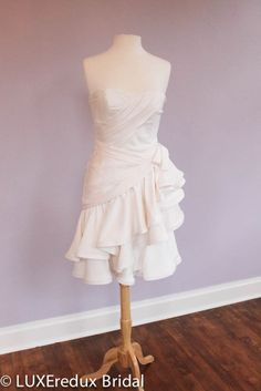 LUXEredux Bridal is designer, consignment bridal boutique in Columbus, Ohio and online that sells and consigns designer bridal gowns for less. Melissa Sweet Bridal, Elopement Dress, Short Dresses, Formal Dresses, Bridal Boutique, Bridal Gowns, Dream Wedding, Ivory, Neckline