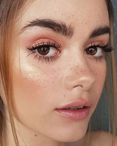 Fresh And Natural Makeup Looks You Must Know ; Makeup Looks; pring Makeup Looks; Natural Looks; Fresh Makeup Looks; Gold Eye Makeup, Natural Eyes, Natural Makeup Looks, Hair Makeup, Prom Makeup, Natural Beauty, Fresh Makeup Look, Natural Makeup For Brown Eyes, Freckles Makeup