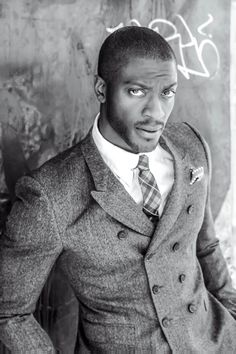 "uomini-belli: "" "" Aldis Hodge by Lanisha Cole "" "" Well damn! Men In Black, Handsome Black Men, Handsome Guys, Black White, Sharp Dressed Man, Well Dressed Men, Black Is Beautiful, Gorgeous Men, Hello Beautiful"