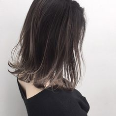 The tiny amount of blonde Balayage Long Hair, Ombre Hair, Cabelo Inspo, Gray Hair Highlights, Short Hair Styles, Medium Hair Styles, Asian Short Hair, Pretty Hair Color, Hair Arrange