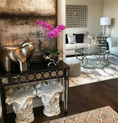 Chic Home Decor Ideas Glam Living Room, Living Room Lounge, Home And Living, Living Room Decor, Elegant Home Decor, Elegant Homes, Inspire Me Home Decor, Family Room, House Design