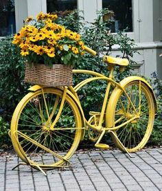 67 Flower Planters from Old Bicycle for Garden - Unique Balcony & Garden Decoration and Easy DIY Ideas Bicycle Decor, Old Bicycle, Bicycle Art, Bicycle Design, Outdoor Planters, Flower Planters, Diy Planters, Planter Ideas, Garden Planters