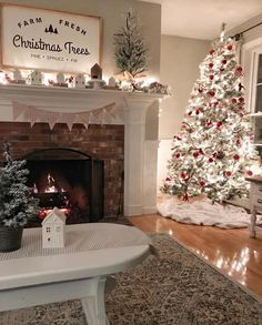 27 Gorgeous Christmas Apartment Decoration Ideas - My dream modern Fresh Christmas Trees, Christmas Time Is Here, Merry Little Christmas, Cozy Christmas, Beautiful Christmas, Christmas Holidays, Cheap Christmas, White Christmas, Elegant Christmas
