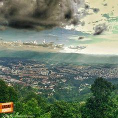 Y a la distancia, la ciudad más bonita de Colombia, Bucaramanga. Gracias @javier__prada por la foto #bucaramangabonita
