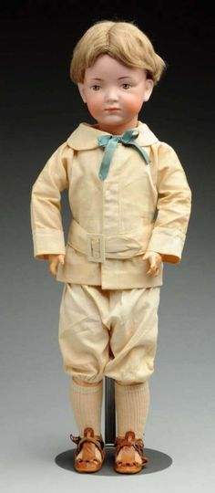 Pensive K & H 526 Character Doll. : Lot 7