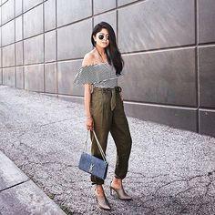 #PazartesiModu: Pantolonlara geri dönüyoruz. ✌🏼️ Kombin için link instagram profilimizde👆🏼 📷: @walkinwonderland #inspiration #fashionblogger #Monday #pants #streetstyle #ootd #outfitoftheday #lookoftheday #fashion #fashiongram #style #love #beautiful #lookbook #wiwt #whatiwore #whatiworetoday #ootdshare #outfit #clothes #wiw #fashionista #instastyle #instafashion #outfitpost #fashionpost #todaysoutfit #fashiondiaries