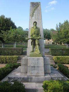 Monument aux morts – Saint-Cyprien, Aquitaine