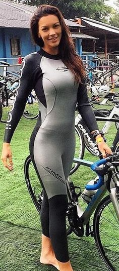 Bicycle Women, Bicycle Girl, Victoria Pendleton, Cycling Girls, Road Cycling, Female Cyclist, Radler, Divas, Workout Attire